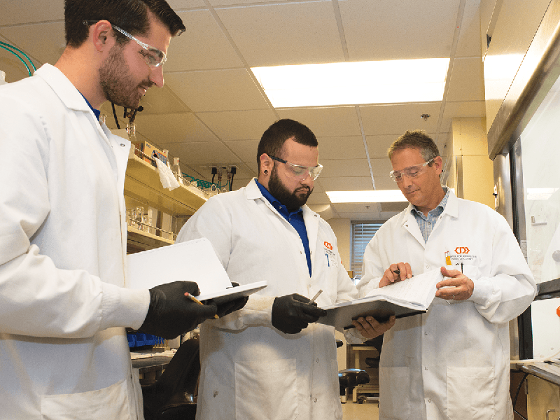 Stanton McHardy (right) leads the UTSA Center for Innovative Drug Discovery, studying new cancer treatments.