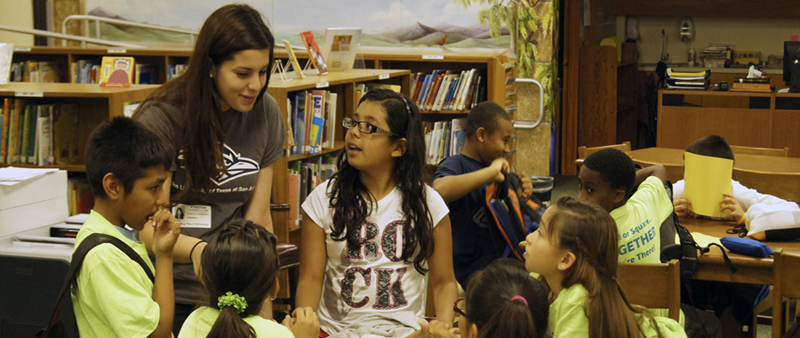 UTSA students learn through community service