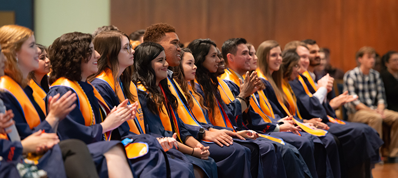 UTSA students commemorate academic achievements during special