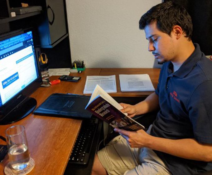 Roadrunners continue undergraduate research while studying virtually