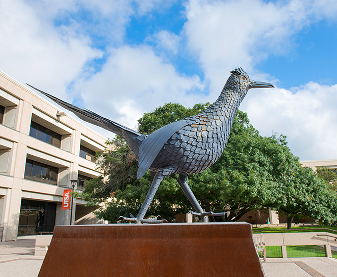 UTSA expands Commencement attendance for spring and 2020 graduates