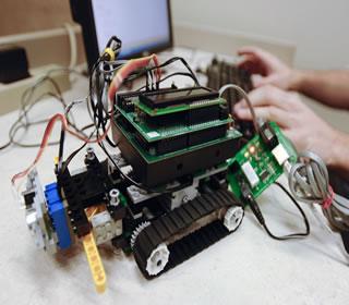 May 25 application deadline: Free robotics camps > UTSA Today ...