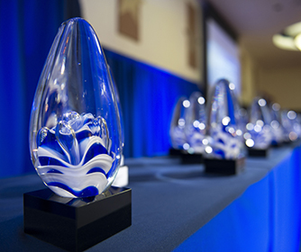 Faculty and Staff: Submit nominations for University Excellence Awards