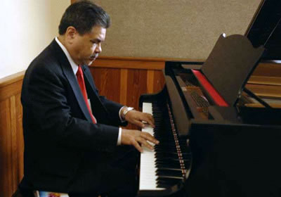 Jesse Zapata playing piano
