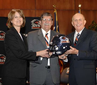 Coker welcomed to UTSA