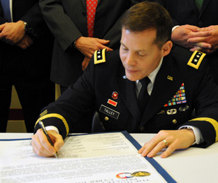 U.S. Army Reserve taps UTSA to create education pathways for cyber warriors