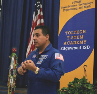 father jose hernandez astronaut - photo #46