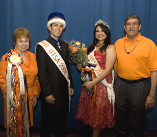 Mr. and Ms. UTSA with Harriett and Ricardo Romo
