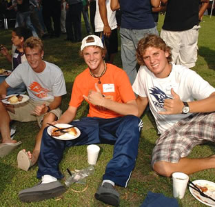 students at picnic