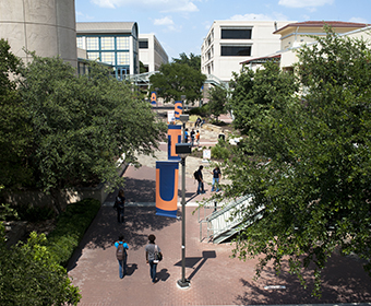 Four UTSA faculty honored with 2017 Regents' Outstanding Teaching Award