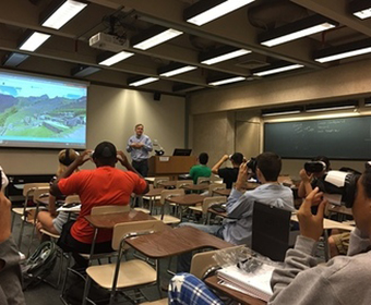 Lecturer at UTSA uses virtual reality to teach students Spanish